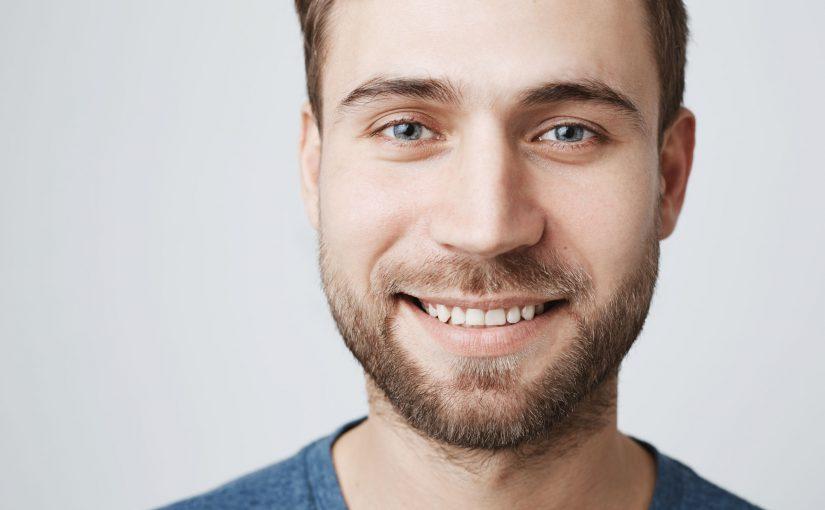 Jakie są typy licówek dentystycznych używanych do estetycznej poprawy uśmiechu